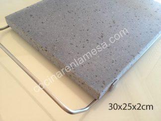 Piedra para asar Volcanica Natural de 30x25x2cm con soporte de acero inoxidable