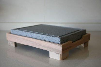 Piedra Volcánica asar carne a la piedra 25x20x3 con soporte de madera