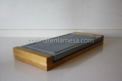 Piedra asar volcánica 37x19x2 base madera | carne a la piedra