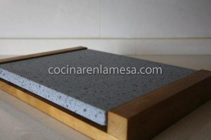Piedra asar volcánica 30x25x2 base madera | carne a la piedra
