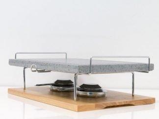 Piedra para asar Volcanica de 38x25x2cm con base de madera, soporte y quemadores